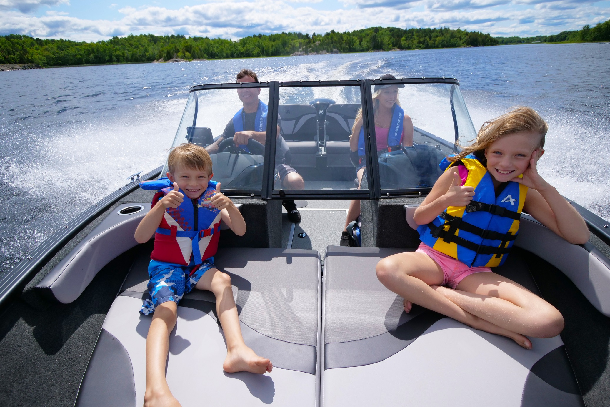 Advantages of Buying a Boat from a Dealership